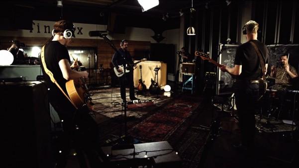 The Latebirds - Kickin' me  Live at Finnvox